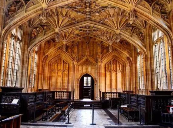 牛津大学图书馆.png